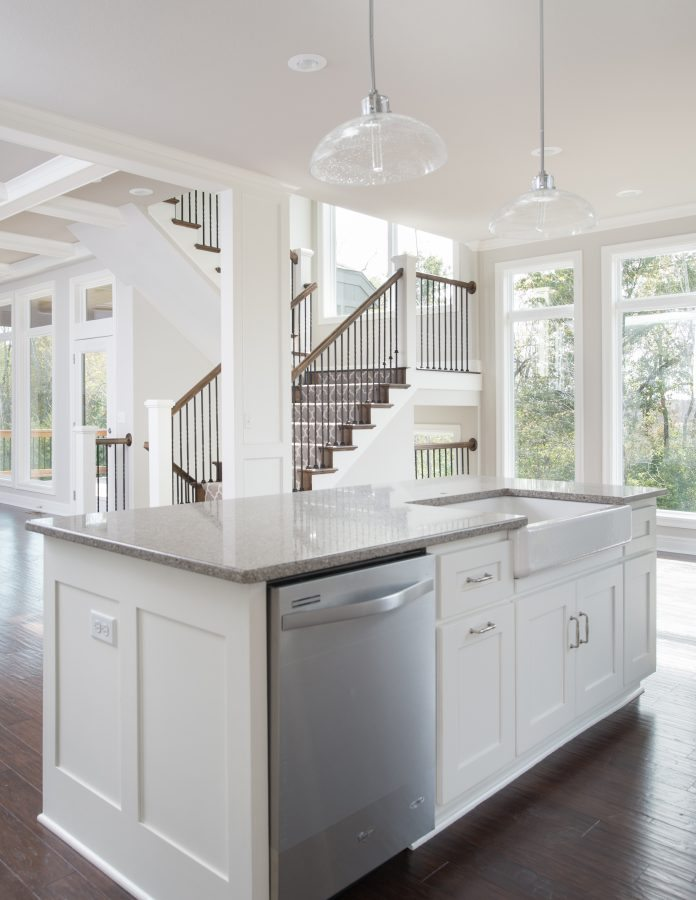 classic-home-kitchen-island-with-gorgeous-view
