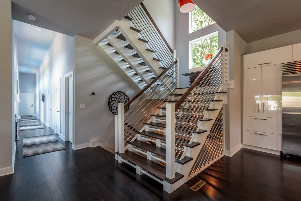 Kansas City Contemporary Staircase